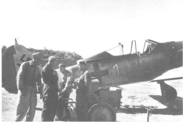 1 - Fw 190A-4 de  Kurt Bühligen, 4.JG 2 - KairouanTunísie - Février  1943.