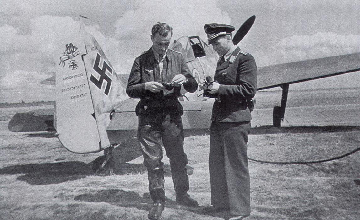 1-fw-190a-9.jg2-y2i-josef-wurmheller-wnr530314-vannes-france-aug-1943-01