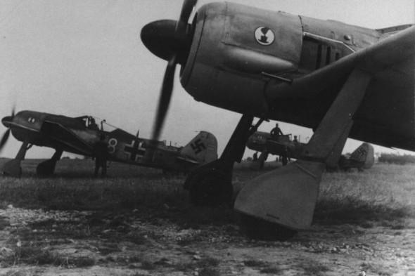 fw190a2.kurt-goltzsch.france-1942.jpg2_