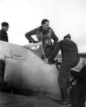 6-Fw 190 A7 de Rolf Hermichen. Stab.I.JG11, Rotenburg, 1944
