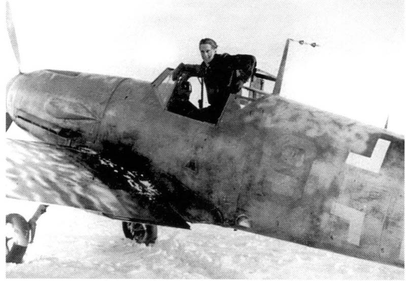 Bf 109F-4_Fw.Walter Schuck. Petsamo, Finland, Winter 1942-1943