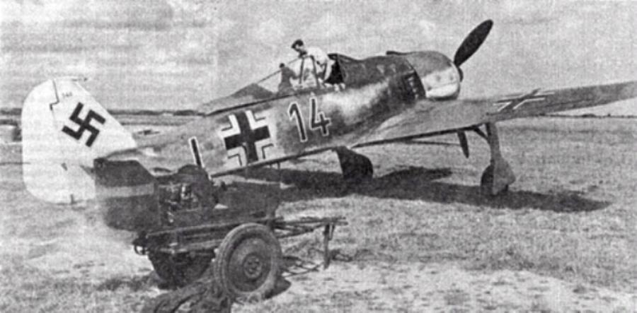 15 - Fw 190A-3 'Black 14' de  l'Oblt. Karl Borris. 8.JG26. 1942