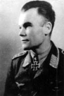 4 - Heinz Kemethmuller