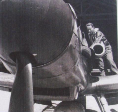 6- Me Bf 109 G-6, du leutnant  Kempf. JG 26 Villacoublay.  1944
